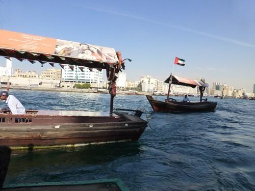 アラブ首長国連邦(UAE)のドバイのアブラ船
