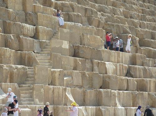 エジプト・ギザのクフ王のピラミッド