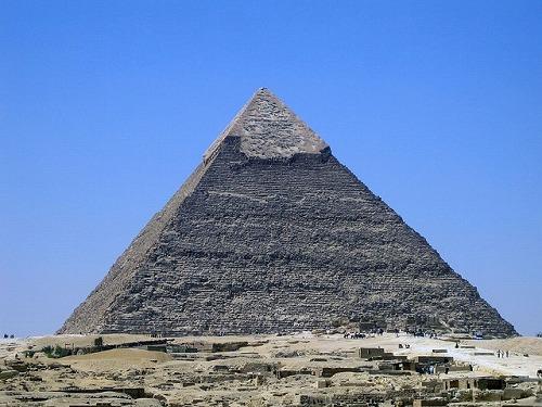 エジプト・ギザのカフラー王のピラミッド