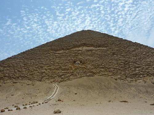 エジプト・ダフシュールの赤ピラミッド