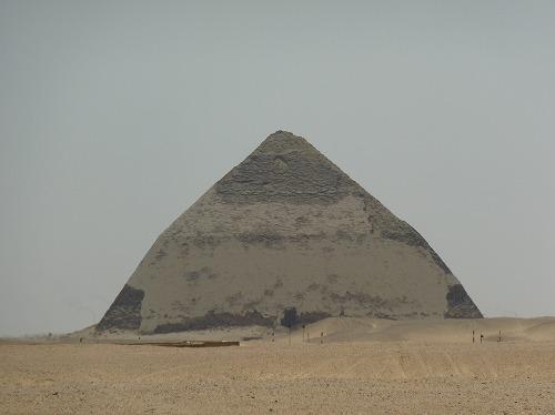 エジプト・ダフシュールの屈折ピラミッド