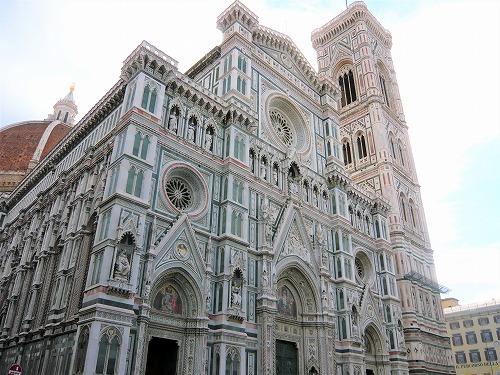 イタリア・フィレンツェのドゥオモのファサード