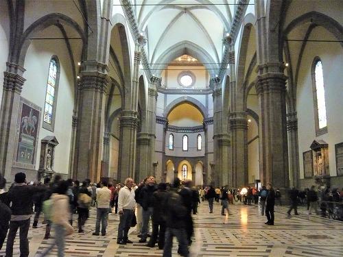 イタリア・フィレンツェのドゥオモの内部
