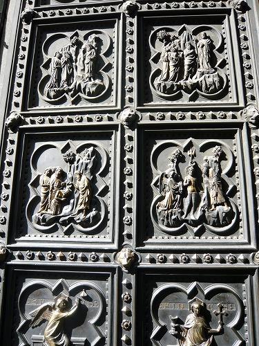 イタリア・フィレンツェのドゥオモの扉