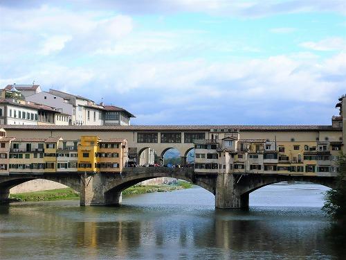 イタリア・フィレンツェのポンテベッキオ(ベッキオ橋)