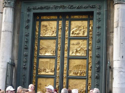 イタリア・フィレンツェのサン・ジョヴァンニ洗礼堂の東門(天国の門)