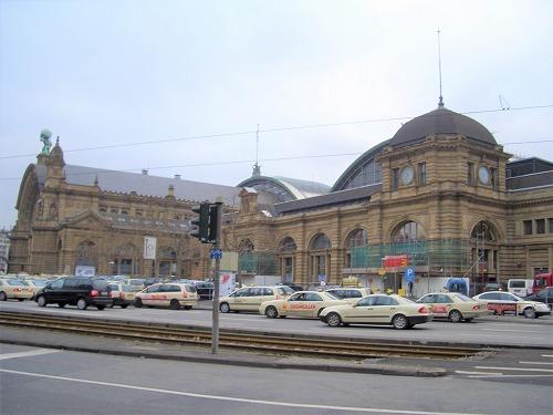 ドイツにあるフランクフルト中央駅の外観