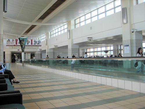 グアム国際空港の内部