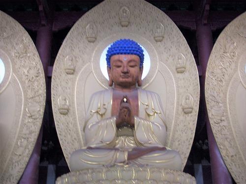 上海・杭州にある霊隠寺の華厳殿(仏像)