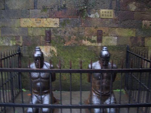 上海・杭州にある岳王廟(秦檜の家臣の像)