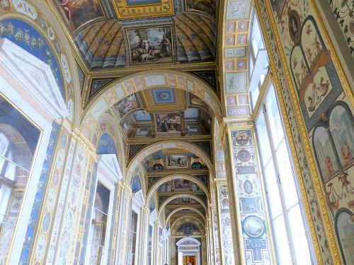 ロシア・サンクトペテルブルクのエルミタージュ美術館のラファエロの回廊