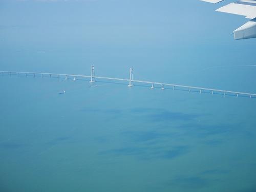 香港とマカオを橋でつなぐ港珠澳大橋