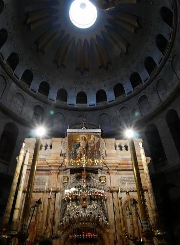 エルサレム(イスラエル)の聖墳墓教会内のイエスの墓