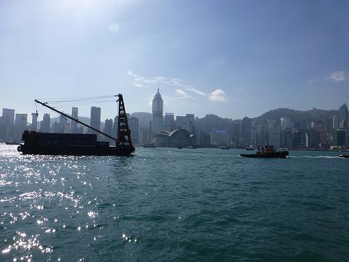 香港のアベニュー・オブ・スターズからの眺め
