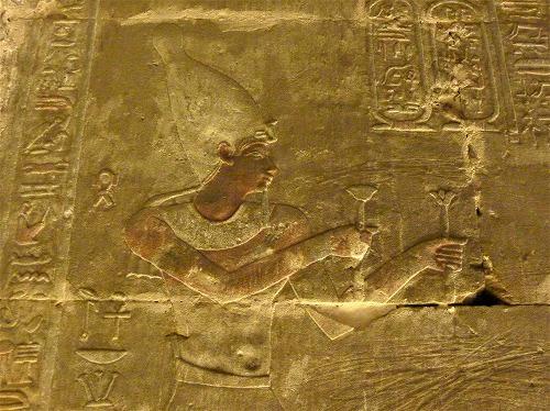 エジプトのエドフにあるホルス神殿の壁画