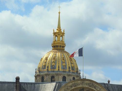 フランス・パリにあるアンヴァリッドのドーム屋根