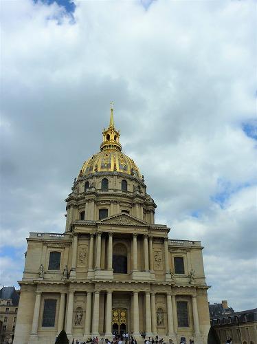 フランス・パリにあるアンヴァリッドのドーム教会