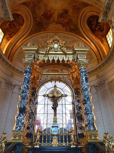 フランス・パリにあるアンヴァリッドのドーム教会の主祭壇