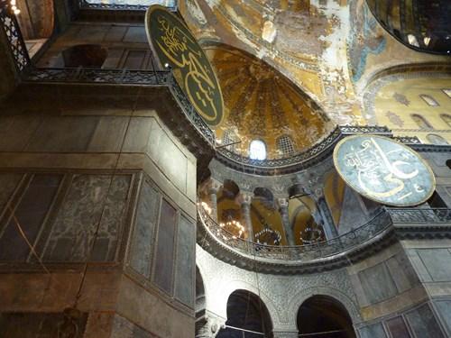 トルコ・イスタンブールのアヤソフィア博物館内部
