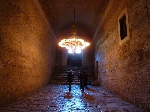 トルコ・イスタンブールのアヤソフィア博物館の2階へ続く階段