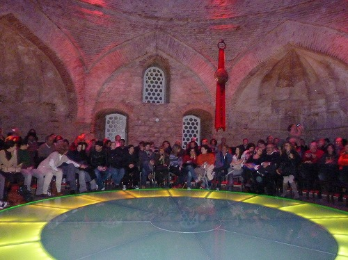 トルコ・イスタンブールのホジャパシャ文化センターの舞台