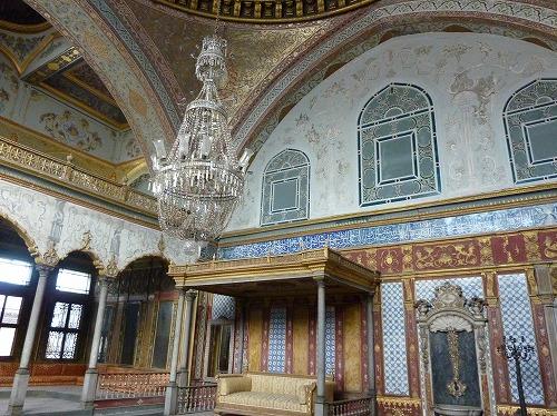 トルコ・イスタンブールのトプカプ宮殿のハレム(スルタンの大広間)