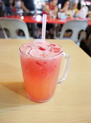 マレーシア・クアラルンプールのアロー通りの屋台街:龍記為食街で飲んだスイカジュース
