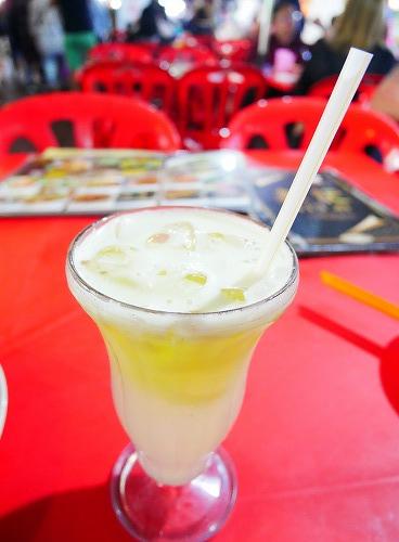 マレーシア・クアラルンプールのアロー通りの屋台街:金記で飲んだハネジュージュース