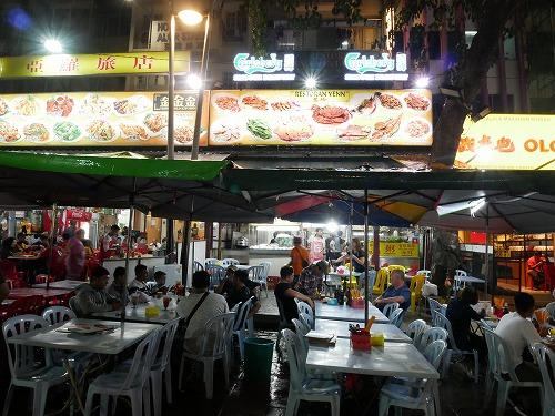マレーシア・クアラルンプールのアロー通りの屋台街:慧玲美味食館