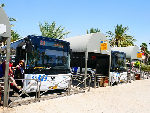 エルサレム(イスラエル)のダマスカス門近くにあるアラブバス乗り場