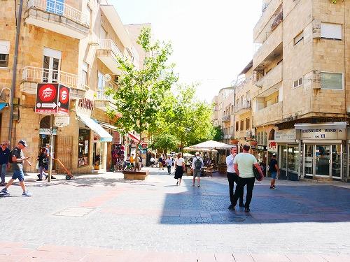 エルサレム新市街にあるベン・イフェーダー通り
