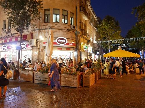 エルサレム新市街にあるアイスクリーム店Katsefetの外観