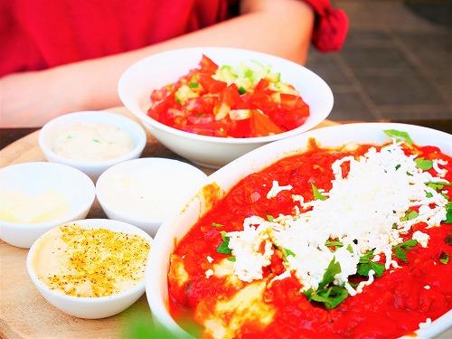 エルサレム(イスラエル)のEtz Cafeで食べたイスラエル伝統の朝食シャクシューカ