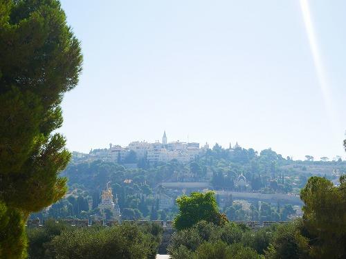 エルサレム(イスラエル)の神殿の丘から見たオリーブの丘