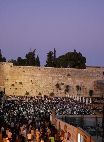 エルサレム(イスラエル)の嘆きの壁(夜)