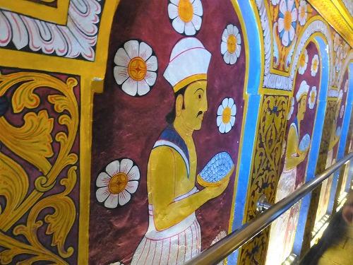 スリランカのキャンディにある仏歯寺内部の壁画