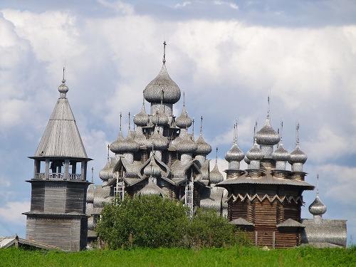 ロシア・キジ島にあるプレオブラジェーンスカヤ教会&ポクロフスカヤ教会&鐘楼