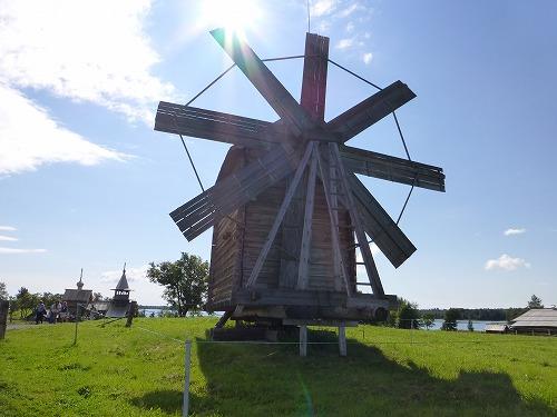 ロシア・キジ島にある風車