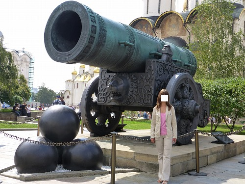 ロシア・モスクワのクレムリンの大砲の工程