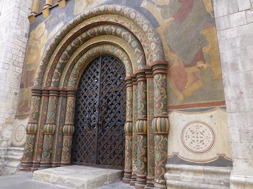 ロシア・モスクワのクレムリンのウスペンスキー大聖堂の入口