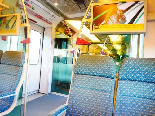 クアラルンプール国際空港とKLセントラル駅を結ぶKLIAエクスプレスの車内