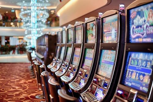 カジノにあるスロットマシン