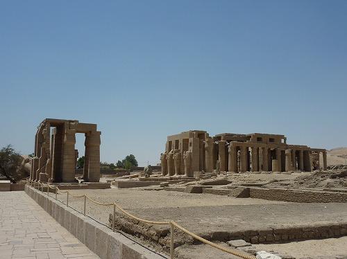 エジプト・ルクソール(ナイル川西岸)のラメセウム
