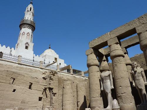 エジプト・ルクソールにあるルクソール神殿内部