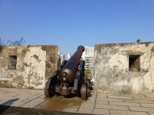 マカオ・モンテの砦の大砲