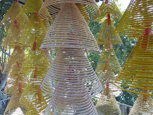 マカオ・媽閣廟の渦巻き線香