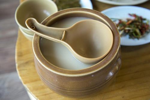 韓国伝統の酒「マッコリ」