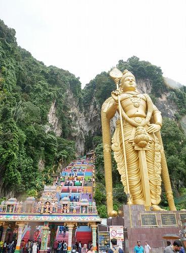 マレーシアのバトゥ洞窟