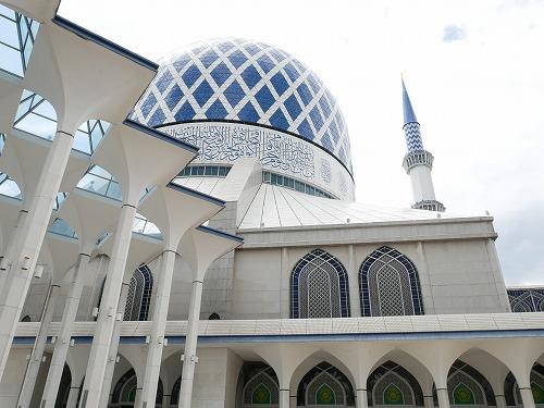 マレーシアのシャー・アラムにあるブルーモスク