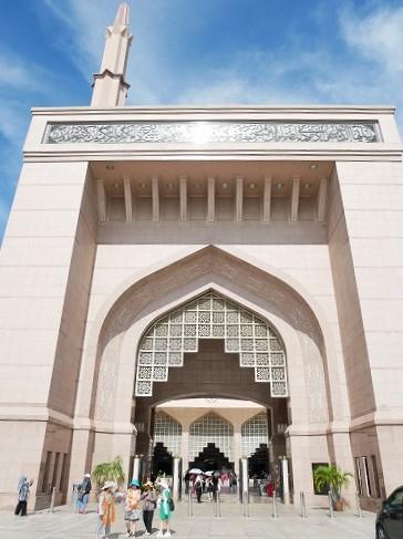 マレーシアのピンクモスクの門